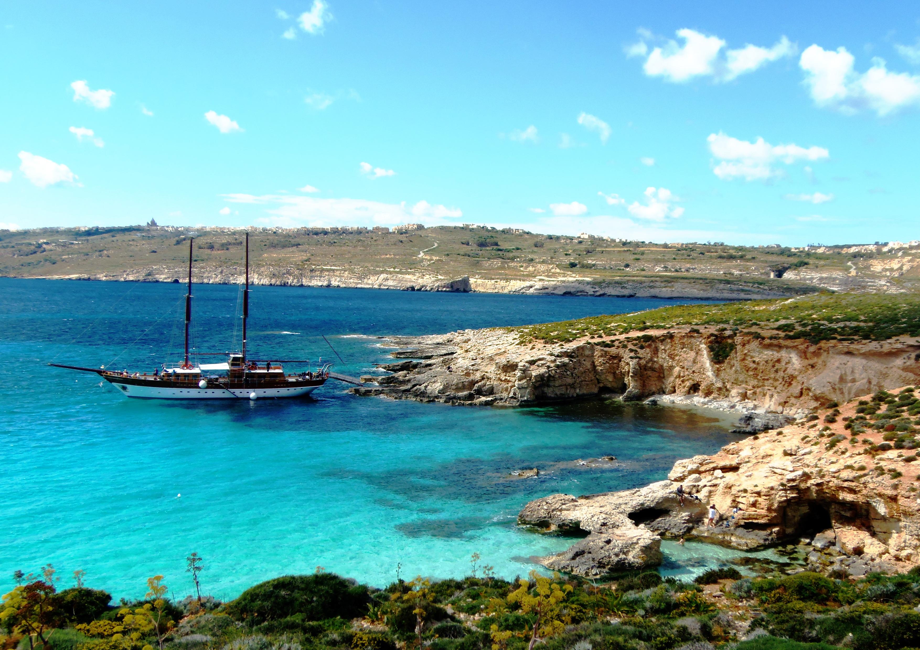 Mediterranean super yacht flag jurisdiction choice